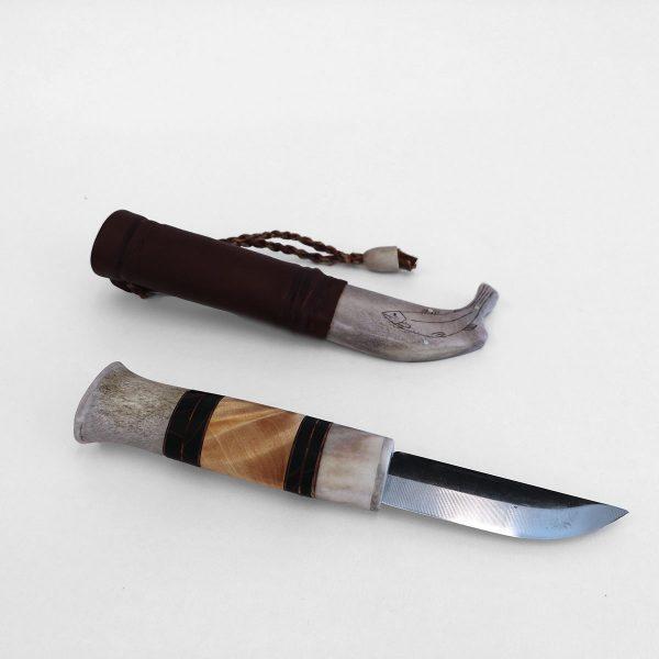 Visakoivu ja sarvikahvainen puukko ja nahka-sarvi tuppi