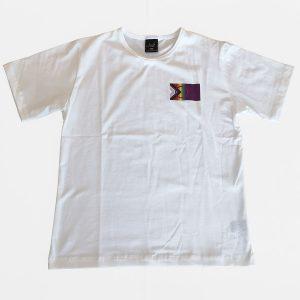 Valkoinen t-paita Sápmi Pride printillä